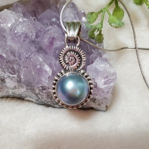 Jewelry - Sterling Silver Chain and Abalone Pearl Pendant